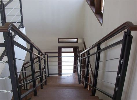 pegangan tangga besi minimalis interior rumah