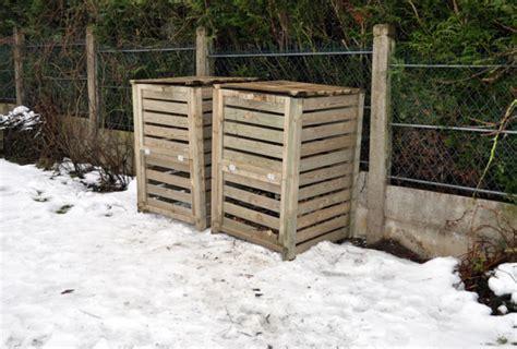 poubelle compost cuisine jardin écologique composteur faire compost et réduire ses déchets maison