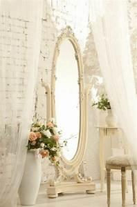 Miroir Blanc Baroque : la deco chambre romantique 65 id es originales ~ Teatrodelosmanantiales.com Idées de Décoration