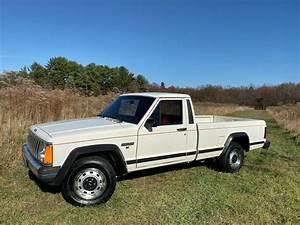 1986 Jeep Comanche 33 197 Miles  33 197 Miles White Pickup