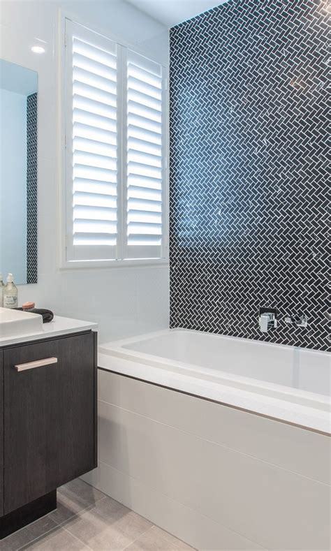 Ore's Tips For Selecting A Bathroom Feature Wall Life's