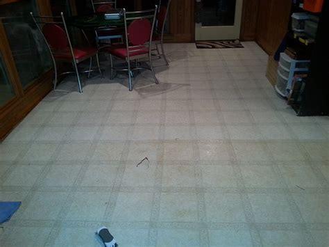 linoleum flooring cleaning best 25 clean linoleum floors ideas on pinterest