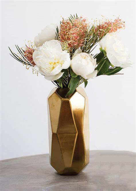 flowers in vase best 25 cylinder centerpieces ideas on