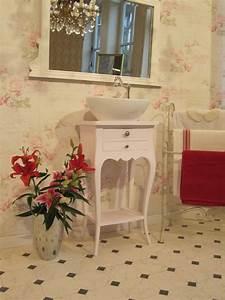 Badmöbel Vintage Style : wasserheimat kleiner waschtsich landhaus verzaubert das bad ~ Michelbontemps.com Haus und Dekorationen