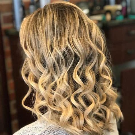 Curling Hairstyles For Medium Hair by 36 Curled Hairstyles Tending In 2019 So Grab Your Hair