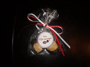 Buckeye wedding favors two little buckeyes for Buckeye candy wedding favors