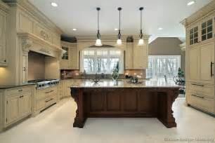 kitchen cabinets ideas photos traditional kitchen cabinets photos design ideas