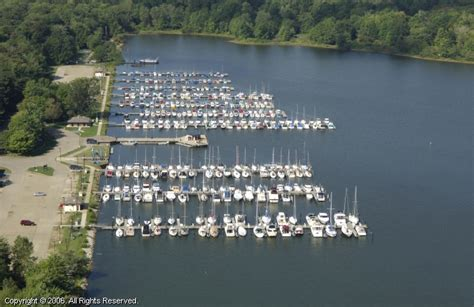 Boat Service Erie Pa by Presque Isle State Park Marina In Erie Pennsylvania