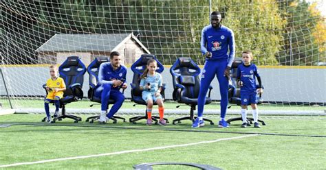Mendy, azpilicueta, zouma, rudiger, chilwell. Werner getting accustomed with his new Club with the help ...
