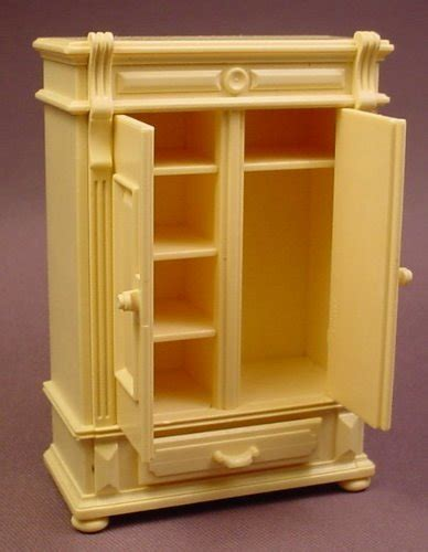 bureau playmobil playmobil light yellow wardrobe or bureau with 2