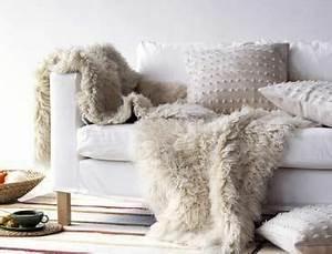Tapis Fourrure Ikea : peau de mouton ladecodekatia ~ Teatrodelosmanantiales.com Idées de Décoration