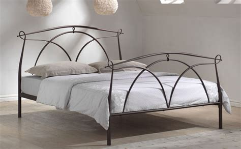 metal bed what to look for when choosing a bed frame