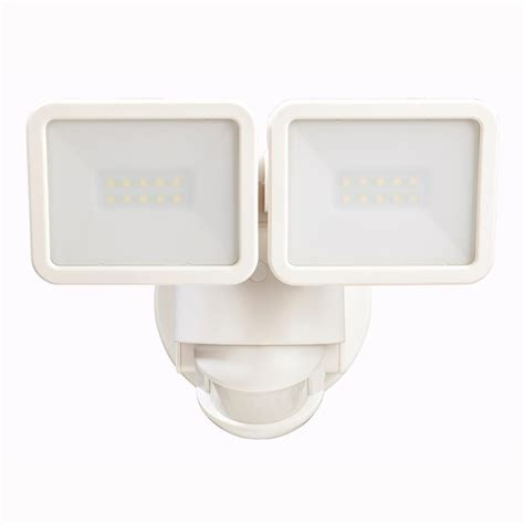 defiant lighting customer service defiant 180 degree white motion activated outdoor