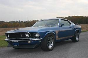 1969 FORD MUSTANG BOSS 302 FASTBACK - 71105