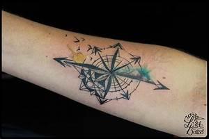 Dessin Fleche Tatouage : laurelarth tatoueur lyon tattoo rose des vent mandala aquarelle boussole ~ Melissatoandfro.com Idées de Décoration