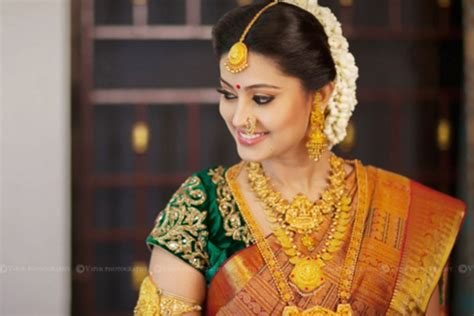 10 Gorgeous Nethi Chuttis For South Indian Bridal Hairstyles 10 Dollar Haircut Melbourne In Dallas Oregon Edgy Pixie Haircuts 2016 Pale Pink Bob Best Layered Short For All Face Shapes Style 2017 Philippines Tween Boy Thick Hair