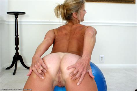 20 In Gallery Tiny Titty Milf Terry Has Tan Lines