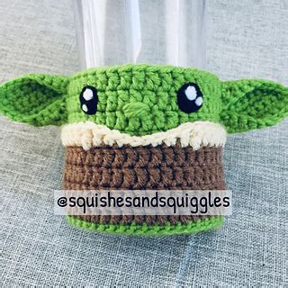 Free Space Baby Cup Cozy Pattern This Baby Yoda / The ...