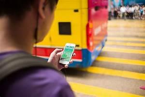 Choisir Son Smartphone : a honolulu lire son smartphone ou traverser il faut choisir ~ Maxctalentgroup.com Avis de Voitures