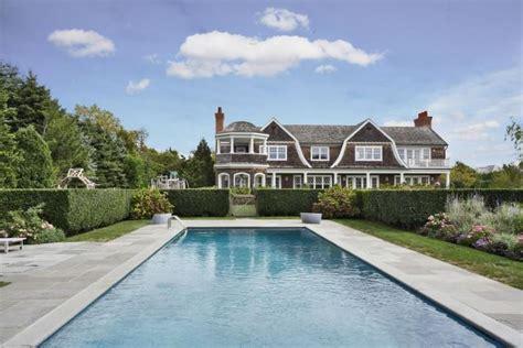 Jennifer Lopez Buys  Million Mansion In The Hamptons