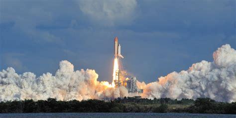 Construction Hoist   Space Shuttle Launch