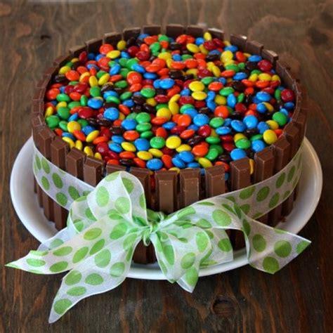 lala moulati cuisine gateau d anniversaire avec bonbon facile à faire