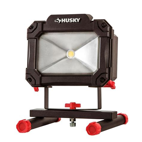 traveler led work lights husky 1 500 lumen rechargeable led worklight k40067 the