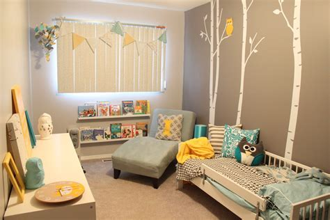 toddler room i the colors and the wall would