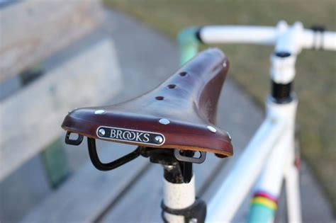 brooks saddle b17 narrow leather bicycle steel bestleather weight strength review2