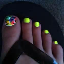 Bright Summer Toe Nail Designs