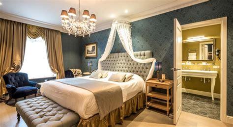 Une Belle Chambre D'hôtel à Bruges  Les Plus Belles