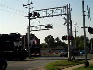Norfolk Southern Freight Train - YouTube