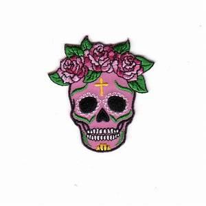 Tete De Mort Fleur : ecusson thermocollant tete de mort fleurs roses la maison de l 39 ~ Mglfilm.com Idées de Décoration