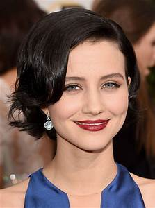 Julia Goldani Telles' Flipped Bob and Cranberry Pout ...