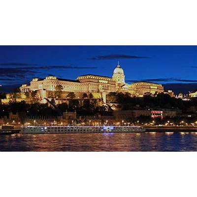 Top 10 Must-See Budapest Tourist Attractions - TheRichest