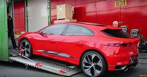 Jaguar I Pace : watch the red jaguar i pace getting unloaded in geneva autoevolution ~ Medecine-chirurgie-esthetiques.com Avis de Voitures