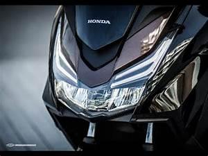 Honda Forza 125 2018 : the new honda forza 125 abs 2018 youtube ~ Melissatoandfro.com Idées de Décoration