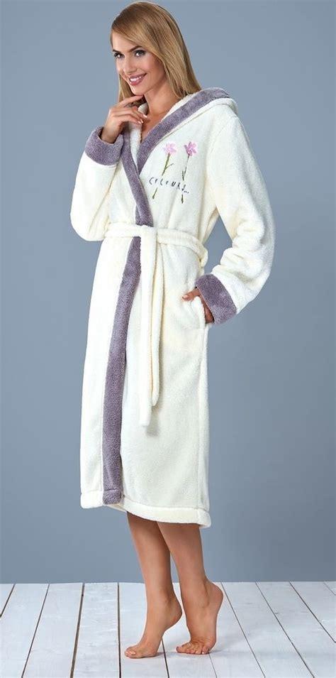 robe de chambre chaude femme les 25 meilleures idées concernant peignoir femme sur