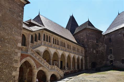 corbin castle corvin castle castle in romania thousand wonders