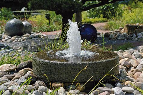 Garten Springbrunnen Aus Stein by Gartenbrunnen Materialien Gartenbrunnen