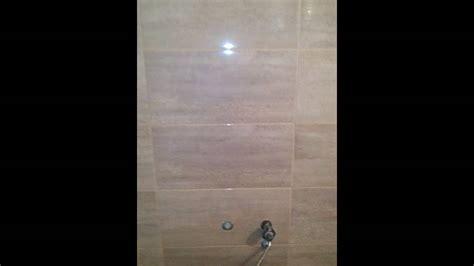 cr馥r sa chambre 3d kupatilo sa zidanom tus kabinom oblozenom keramikom sa