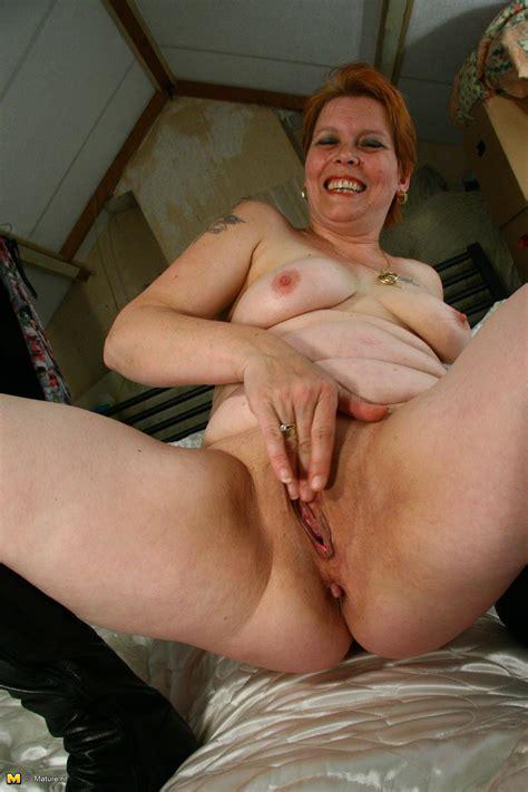 aged slut playing with vibrator