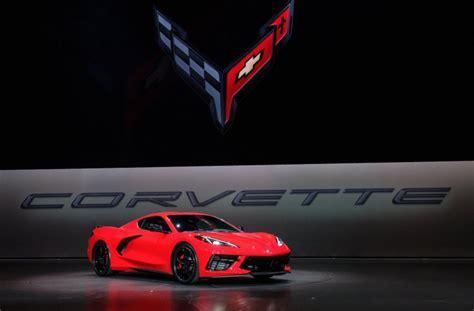 Mid-engine 2020 Chevrolet Corvette Stingray Breaks Cover