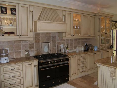 cottage kitchen backsplash white door with country cottage kitchens u shaped white