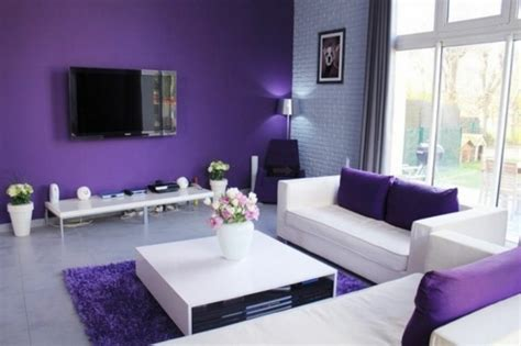 idees dameublement salon en violet elegant