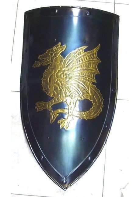 bouclier medievale bouclier avec dragon aile bouclier
