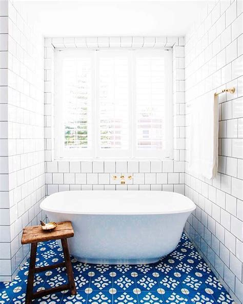 Blue Tile Bathroom Floor by Blue And White Tile Bathroom Halcyon House Cabarita