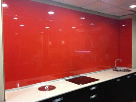 panel laca brillo rojo  revestimientos de paredes de cocina reformas  decoracion de