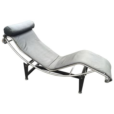 chaise longue le corbusier vache le corbusier lc4 chaise longue in black leather at 1stdibs