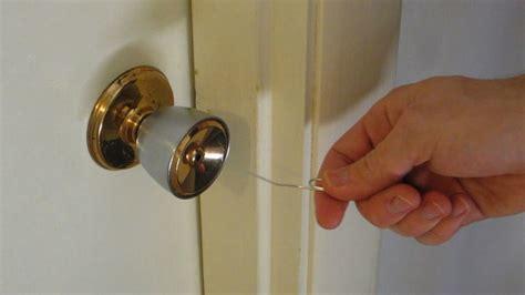 unlock  door lock   key door knobs